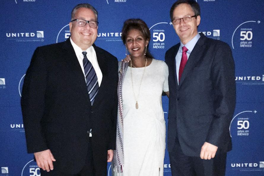 Houston Airports Congratulates United Airlines On 50 Years Of Service To Mexico Houston Airport System